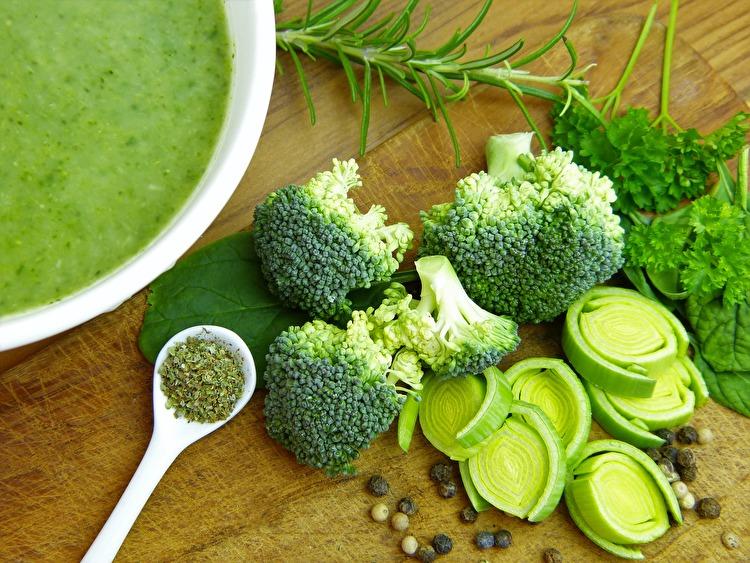筋トレ効果をUPさせるブロッコリーの栄養素と効能を解説