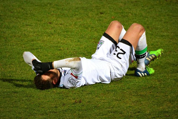 なぜサッカー選手はオーバートレーニング症候群を発症する方が多いのか?